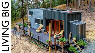 Spacious DIY Off-The-Grid Tiny House