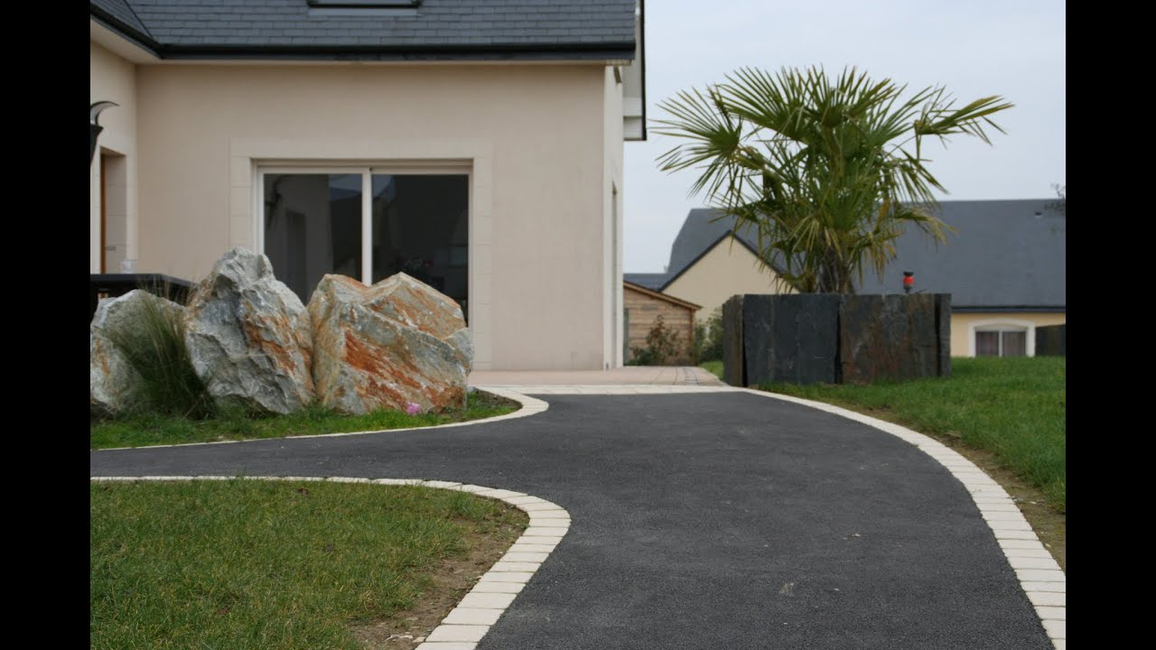 amenager jardin devant maison idee deco petit jardin et une jolie terrasse devant la maison. Black Bedroom Furniture Sets. Home Design Ideas