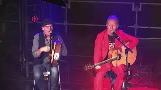 Bekijk video 1 van Trio Irish Dogs op YouTube
