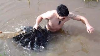 Cách bắt lươn bằng bẫy rất bá đạo - Bắt lươn thế này mới thích