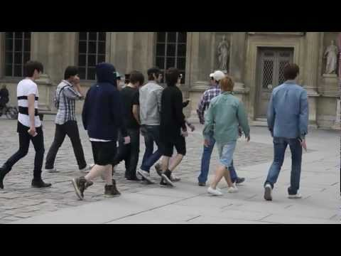 [HD]Super Junior & SHINee dancing publicly at Paris!!