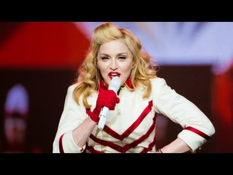 Madonna starts concert 3½ hours late