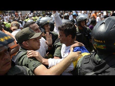 Líder opositor Leopoldo López  fue arrestado por el gobierno venezolano -- Noticiero Univisión