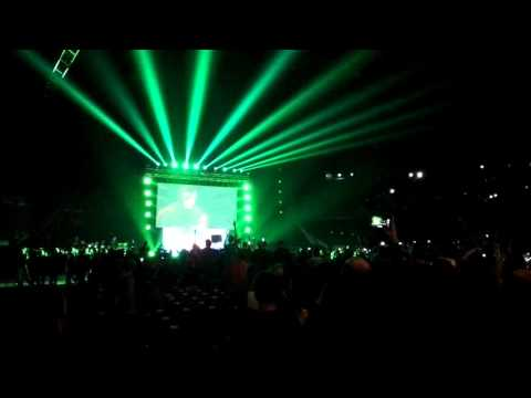 Entrée de Triple H à Paris le 22 avril 2016
