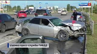 Сегодня в Омске после столкновения с иномаркой опрокинулась скорая помощь