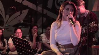 /morissette amon defying gravitydon39t stop believin39 a glee cover live at the stages sessions