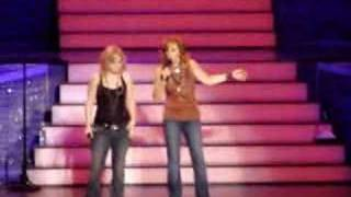 "Reba & Kelly ""I'm A Survivor"" w/ Barbra Jean"