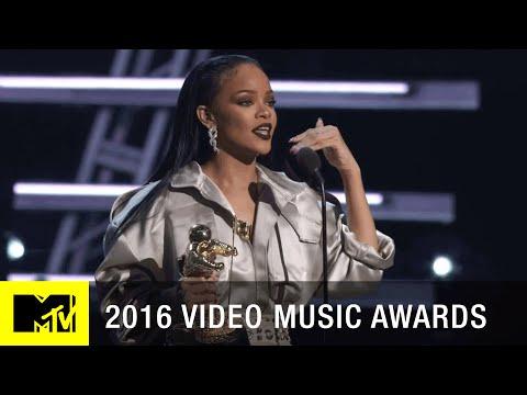 Rihanna Accepts Michael Jackson Vanguard Award | 2016 Video Music Awards | MTV