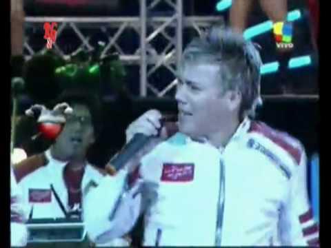 Grupo Los Puntos del Amor : Por tu culpa tomare (vivo Argentina 2010)