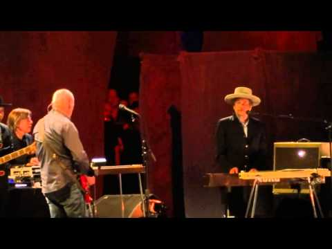 Bob Dylan feat. Mark Knopfler - Forever Young [Live In Hammersmith] 21/11/2011
