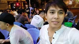 Ca sĩ Khưu Huy Vũ hát giao lưu tại Vỹ Dạ Quán
