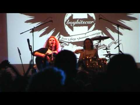 Festivalkult 2011 umsonst & draußen - Boy Hits Car / One Kiss Away