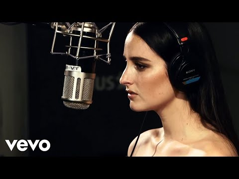 BANKS - Beggin For Thread (Live From Sirius XM)