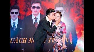 Quách Ngọc Tuyên hôn thắm thiết Lê Giang tại buổi dạ tiệc