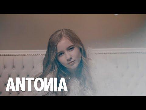 ANTONIA - In Oglinda | Lyrics Video