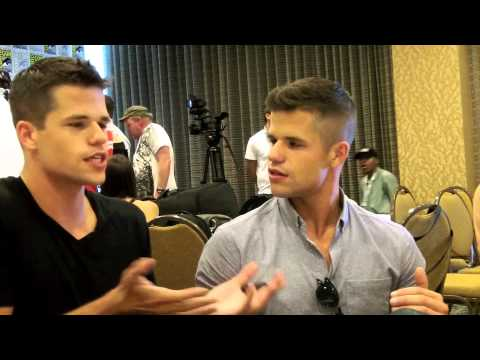 Daniel Sharman and Max and Charlie Carver Talk TEEN WOLF at ...