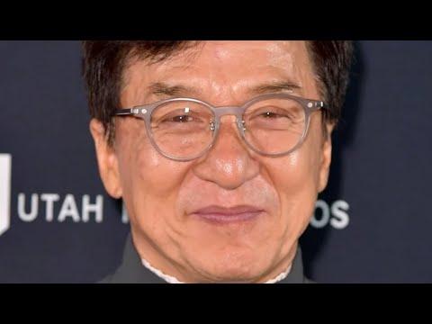 Татко му бил шпион, а мајка му дилер на дрога - помалку познати факти за Џеки Чен