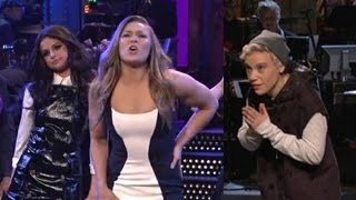 Selena Gomez Felt Awkward Dealing With 'Justin Bieber' In 'SNL' Opening Monologue