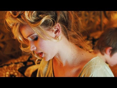 American Hustle Trailer #2 2013 Christian Bale, Jennifer Lawrence ...