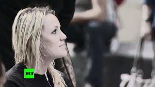 Гадости в лицо: девушка пообщалась с жителями Нью-Йорка языком интернета