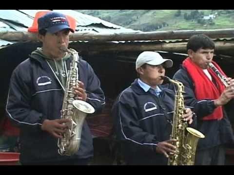 banda orquesta CRUZ PAMPA de yarowilca - huanuco..wmv