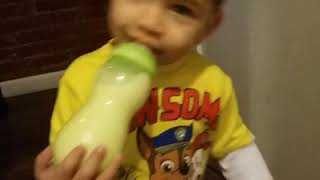 2 year old singing happy birthday to mommy