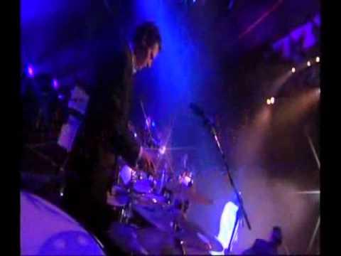 Nana Mouskouri  -  Le Ciel Est Noir  - In Live 2006 -.avi