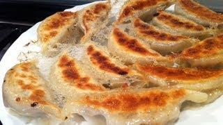 Pan-fried Dumplings & Lemonade | 餃子 | Potstickers | Gyoza | ぎょうざ : ASMR / Mukbang ( Eating Sounds )