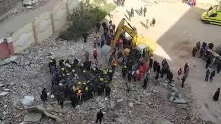 شاهد بالفيديو .. استمرار عمليات الإنقاذ في عقار جسر السويس المنهار