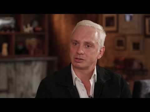 Challengers & Icons™ interview Series 3. Episode 3. Tom Roberts, Absolut Elyx