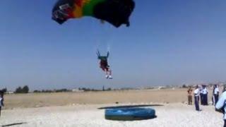 Paracaidistas de alcantarilla (murcia) hacen diana