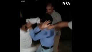 Ấn Độ đình chỉ cảnh sát hành hung nhà báo (VOA)