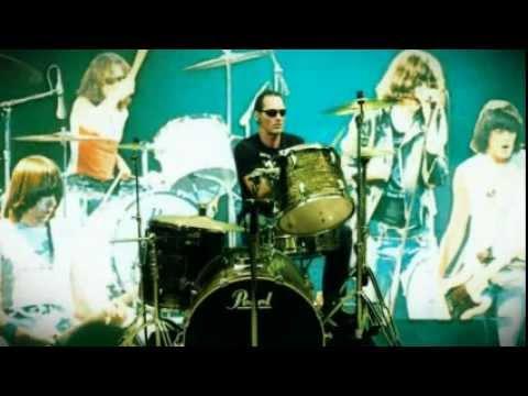 Baixar Ramones - Listen To My Heart - California Sun (It's Alive) - Drum Cover