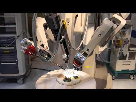【手術支援ロボット「ダヴィンチ」】 マスターコントローラ