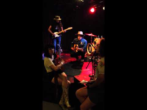 Nikki Lane performs 'Out of my Mind' w/ Frankie Lee at the 7th St. Entry in Minneapolis on 6/14
