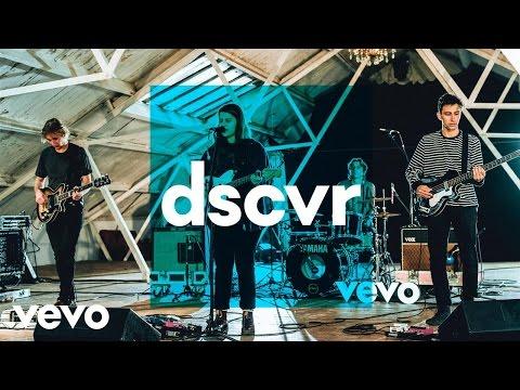 Alex Lahey - Let's Go Out - Vevo dscvr (Live)