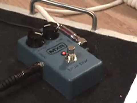 mxr blue box guitar effects pedal demo youtube. Black Bedroom Furniture Sets. Home Design Ideas
