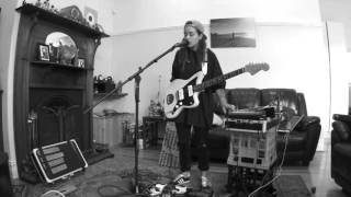 tash-sultana-jungle-live-bedroom-recording.jpg