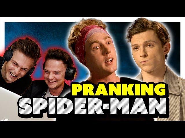 你為什麼要假扮英國人?「蜘蛛人」湯姆荷蘭訪問遭惡整 反應超呆萌