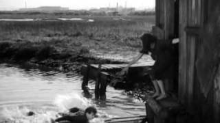 Charlie Chaplin and Paulette Goddard - Modern Times