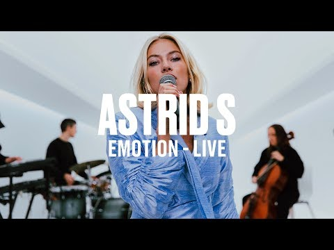 Astrid S - Emotion (Live) | Vevo DSCVR ARTISTS TO WATCH 2019