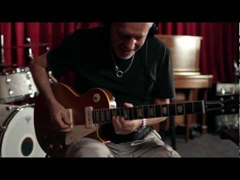 Peter Frampton Recording a Song on a Mac with Apogee JAM, and GarageBand