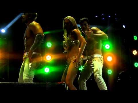 Baixar axe bahia la cucarachiña /concierto 2013 chile