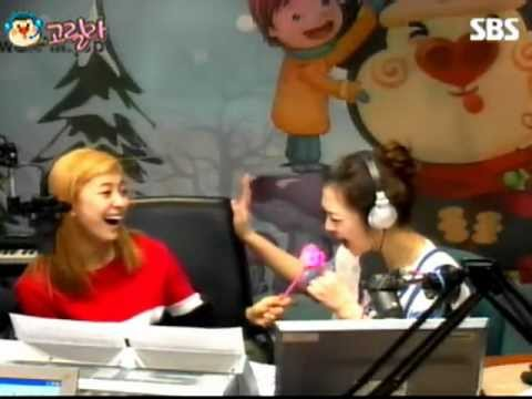 fx Sulli imitates Luna's high note ^^