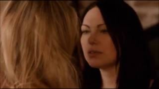 Piper Chapman and Alex Vause first love making scene from Orange is the new black OITNB