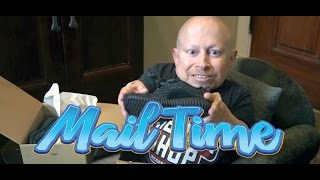 Adidas Yeezy Boost 350!   MailTime #9 Unboxing with Verne Troyer