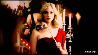 Klaus  Caroline  In love with her