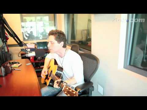 EXCLUSIVE Richard Marx performs 'When You Loved Me