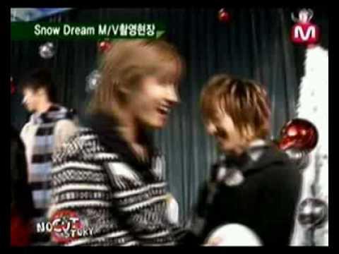Eunhae...Donghae jealous!! in Snowdream