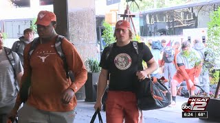 Longhorns arrive in San Antonio for Valero Alamo Bowl